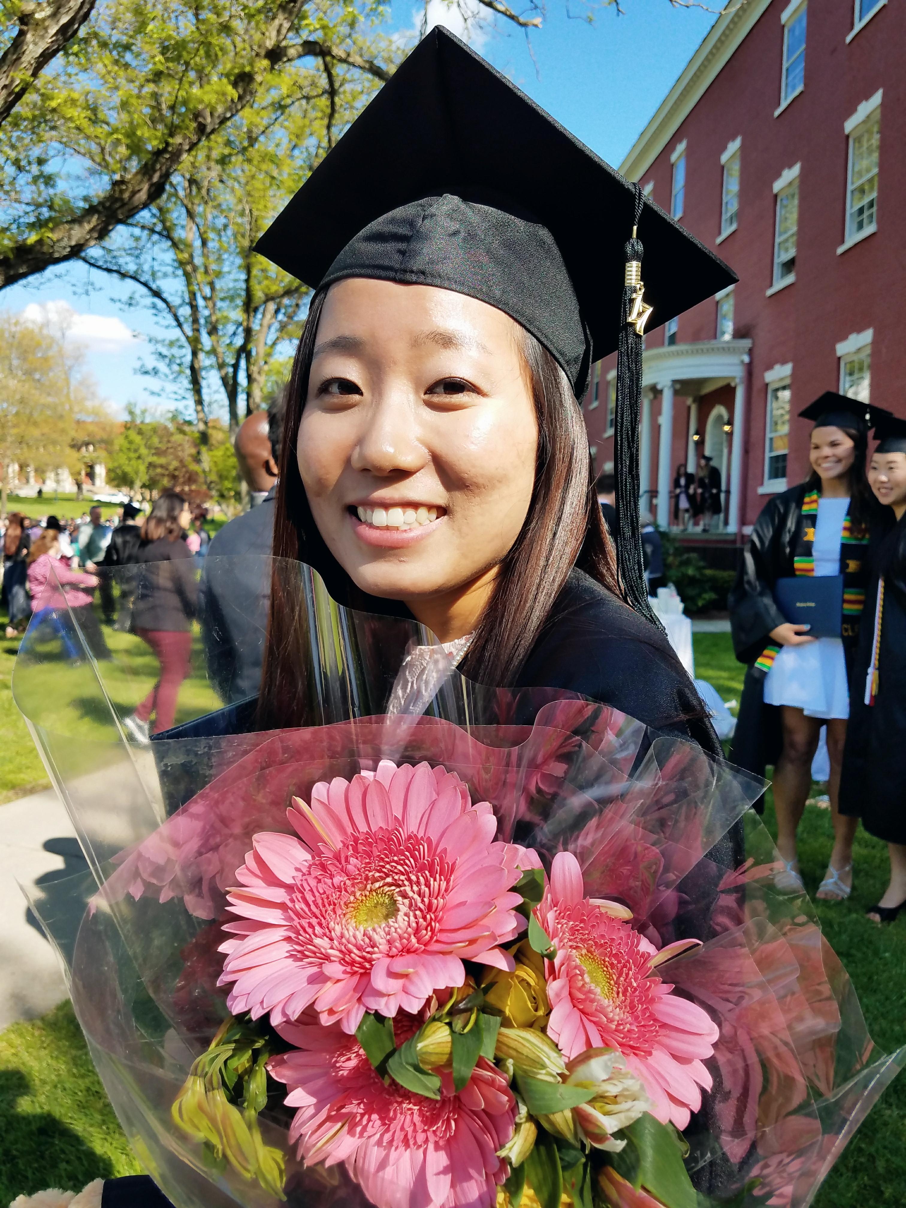 alumni-graduation